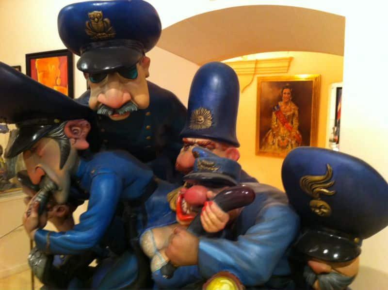 Mueso-Fallero-Ninot-Policia