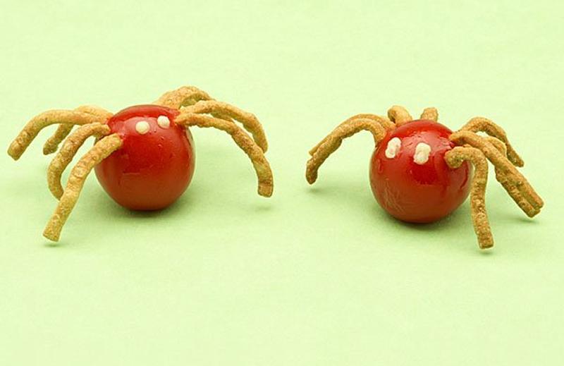 Arañas con tomates cherry