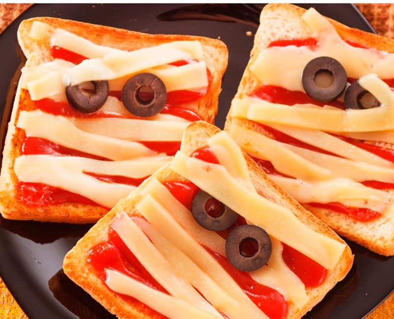 Recetas infantiles para Halloween - sandwiches momia