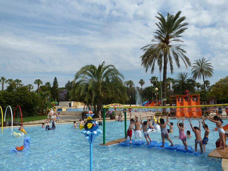 Piscinas parque oeste y benicalap for Pulpo para piscina