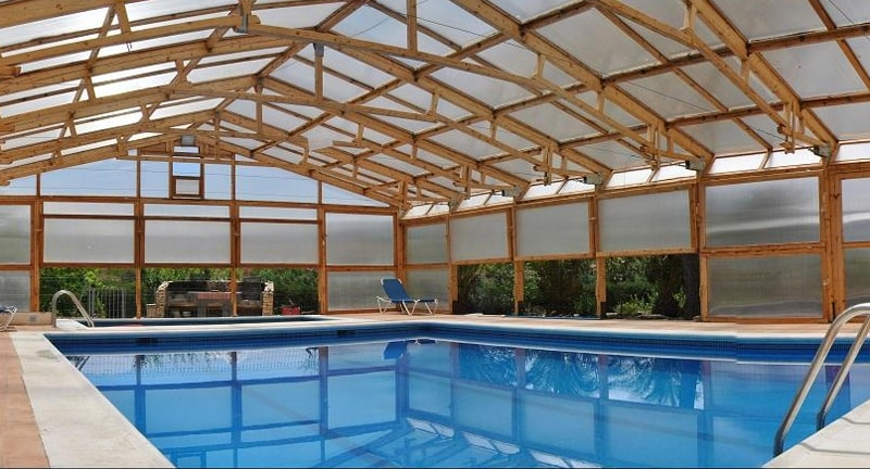 Casas rurales con piscina climatizada for Casa rural con piscina independiente