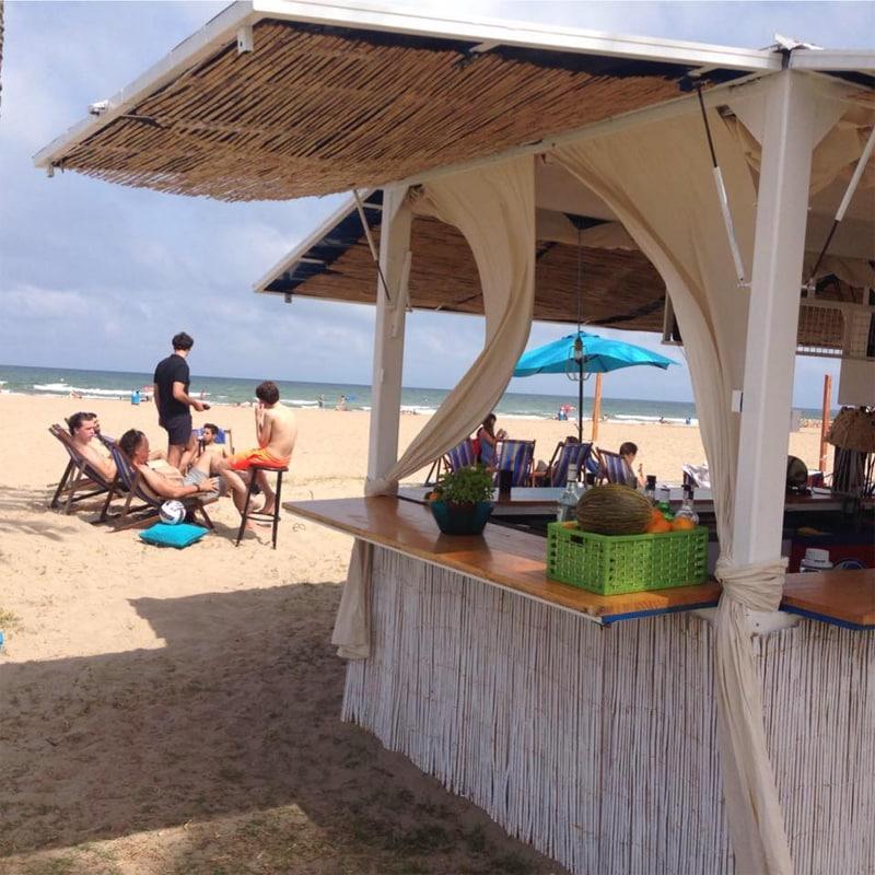 chiringuitos de playa - La Patacona, Valencia