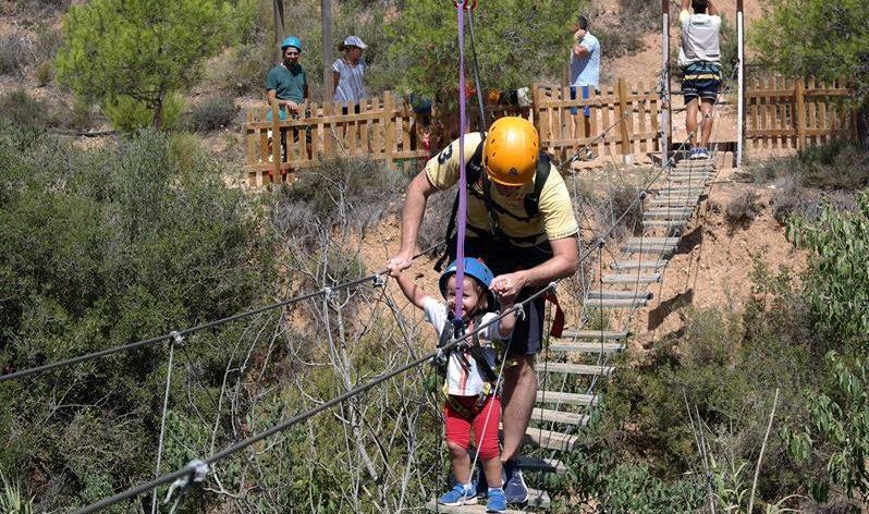 Ideas para hacer con niños este verano cerca de Valencia - campamentos en familia
