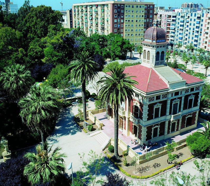 Jard n de ayora valencia for Centro de salud ciudad jardin badajoz