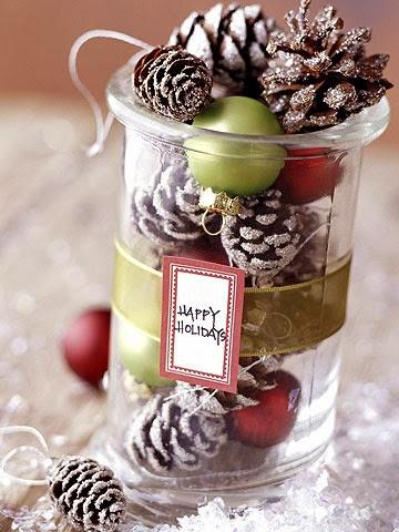 Manualidades de navidad - piñas decoradas para la mesa