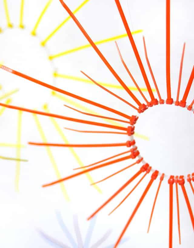 fuegos artificiales naranja