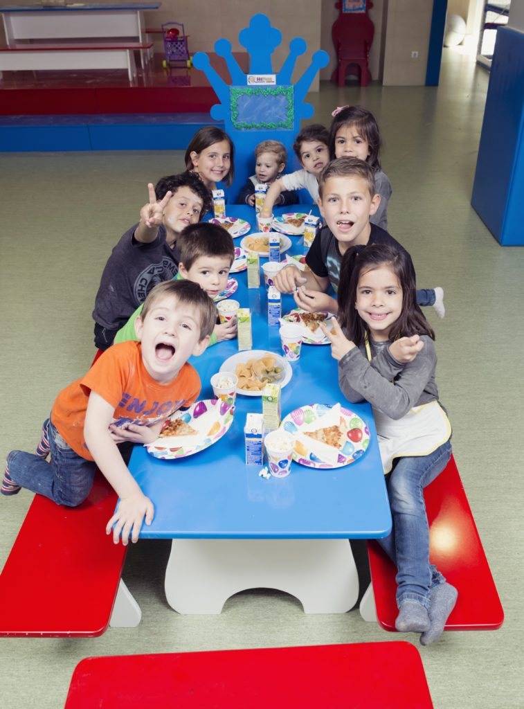 Niños de cumple en Hi-Education Centres