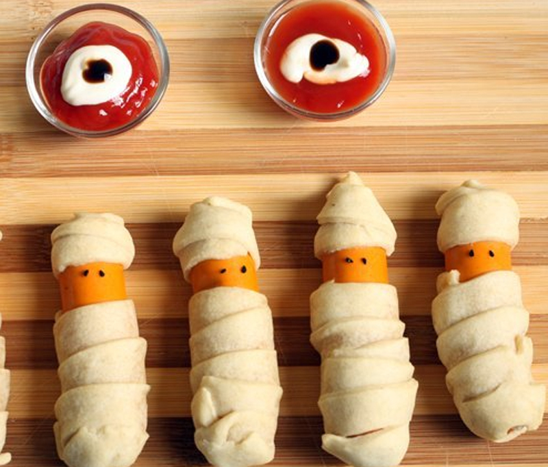 Recetas infantiles para Halloween - salchichas-momia