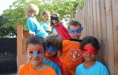 Niños disfrazados en Aloha