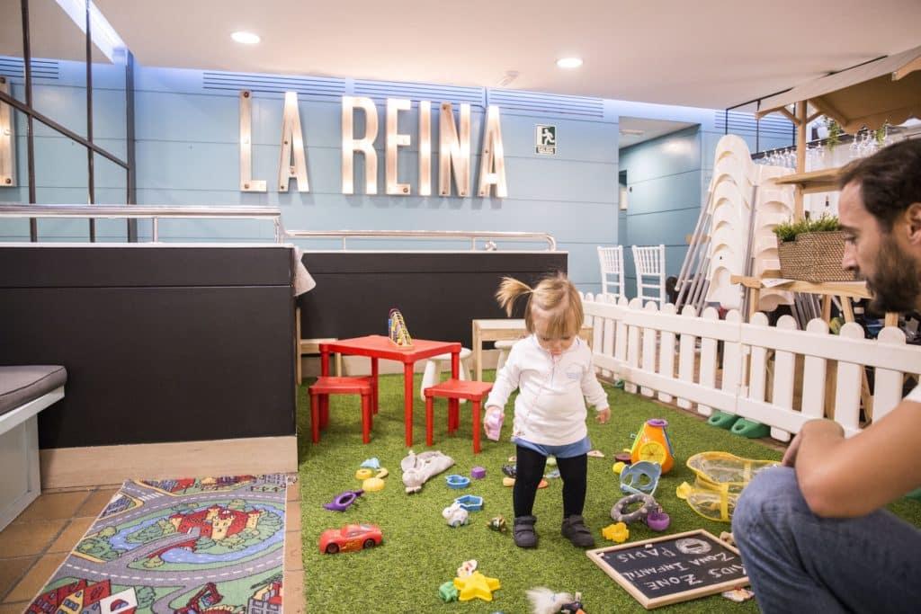 La Reina Friendly Restaurant. Comer con niños en Valencia