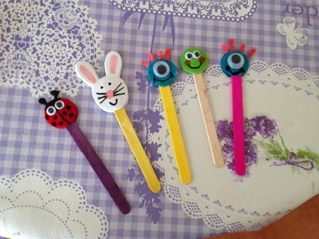 manualidades infantiles con palos de polo y fieltro
