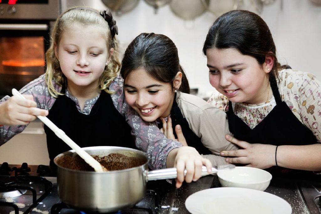 Valencia Club Cocina, talleres para peques y en familia.