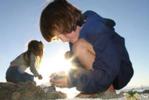 excursión niños en la playa