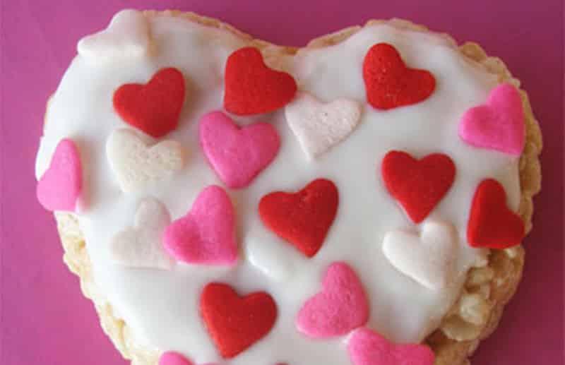 Piruletas de 'krispies' para San Valentín