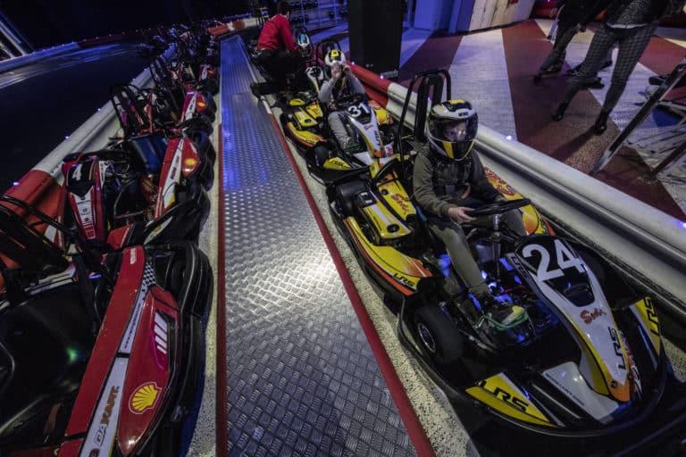 niños en cars RACING DAKART