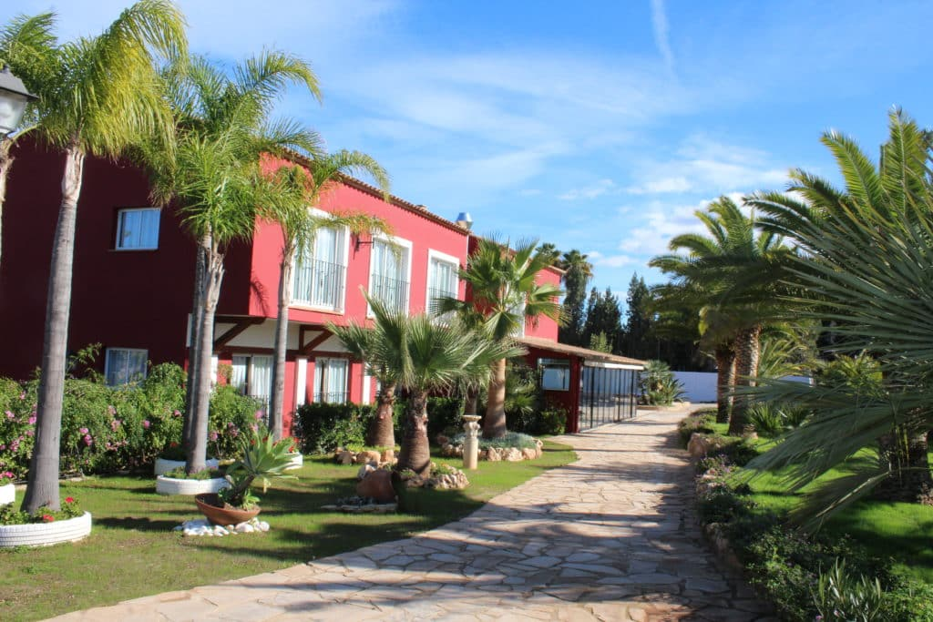 Celebra en el Students' Resort Mas Camarena and Sports Centre