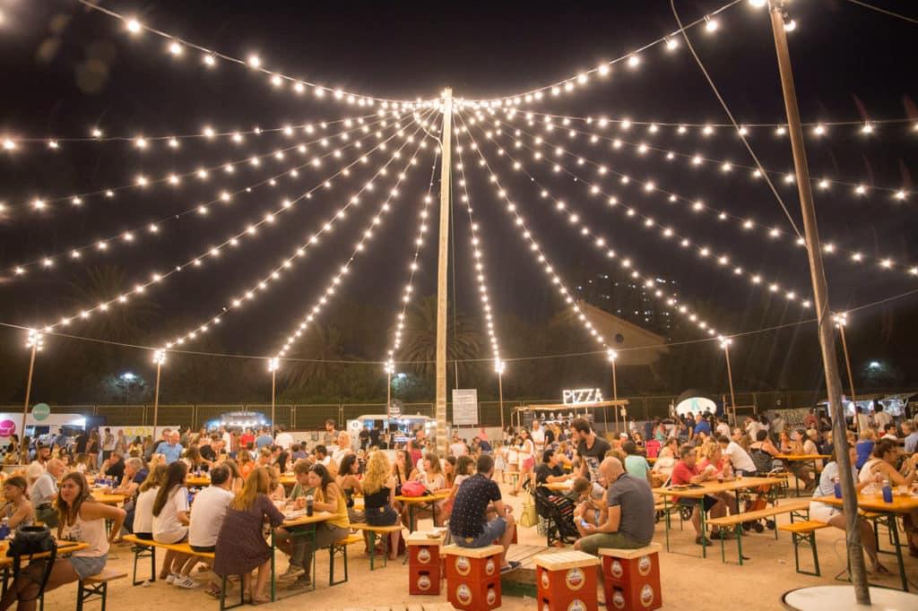 Solmarket celebra su 4ª edición en la playa de El Puig.